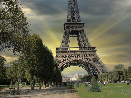 Eiffel Tower from Parc du Champs de Mars, Paris, France