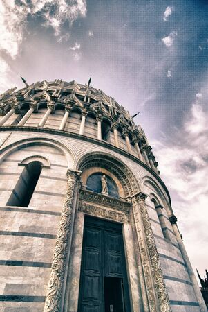 miracle square: Baptistery in the Miracle Square of Pisa, landmark in Pisa, Italy
