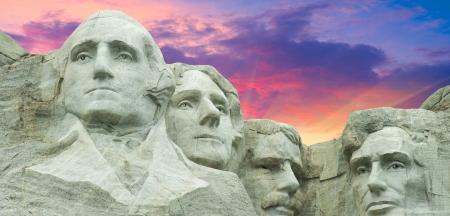 mount jefferson: Sunset Colors over Mount Rushmore in South Dakota, U.S.A.