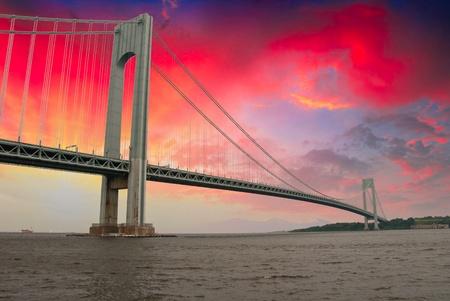 verjas: Puente Golden Gate en San Francisco, EE.UU. Foto de archivo