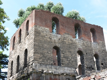 fortification: Roman fortification