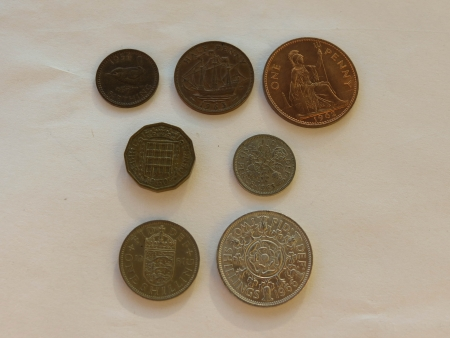 decimal: Pre-decimal GBP British Pounds coins  currency of United Kingdom , in use before the Decimal -Day  15 February 1971  - farthing, half-penny, penny, three-pence, six-pence, shilling, two shillings