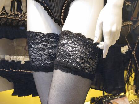 schwarz Überfälle mit luxuriösen Spitzenabschluss Band