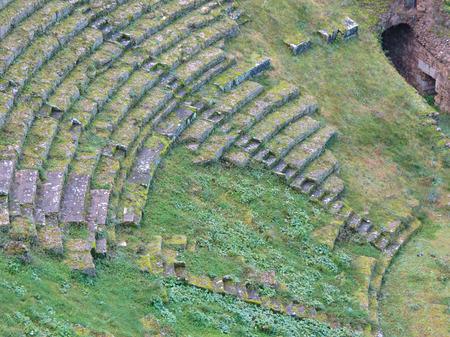 teatro antiguo: Volterra, vista del antiguo teatro romano