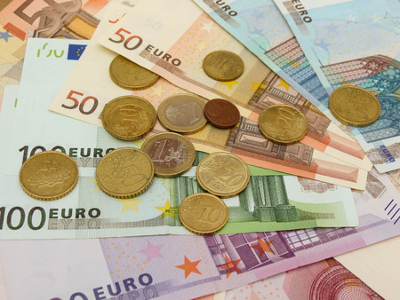 legal tender: Euro EUR banknotes and coins - legal tender of the European Union