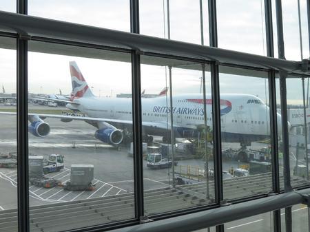 boeing 747: Londra Heathrow, Regno Unito - intorno al dicembre 2014: Un Boeing 747 Jumbo della British Airways parcheggiato all'aeroporto