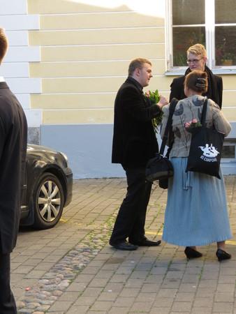 elegantly: TALLINN, ESTONIA - CIRCA JUNE 2012: elegantly dressed people at a graduation ceremony