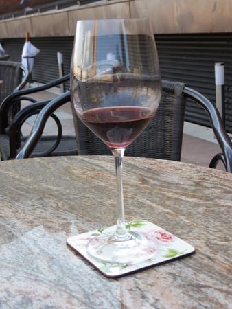 redwine: A glass of red wine