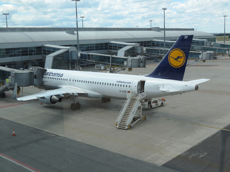 ceska: PRAGUE, CZECH REPUBLIC - CIRCA JULY 2016: Lufthansa Airbus A320 parked at the airport Editorial