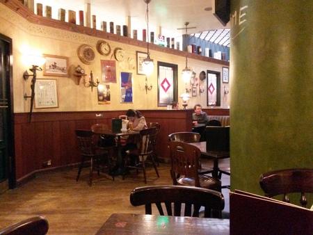 COSTUMERS: VIENNA SCHWECHAT, AUSTRIA - CIRCA OCTOBER 2015: interiors of the Irish pub at the airport of Vienna Schwechat Editorial