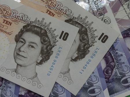 LONDON, UK - CIRCA settembre 2016: 10 e 20 banconote Pound denaro (GBP), moneta del Regno Unito