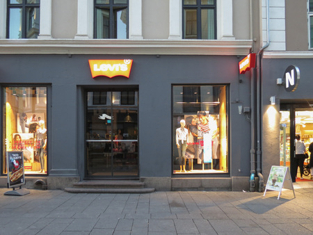 levi: OSLO, NORWAY - CIRCA AUGUST 2017: store front of Levi s brand store in stores