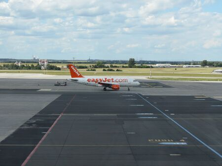 PRAGUE, CZECH REPUBLIC - CIRCA JULY 2016: Airbus A319 of Easyjet airlines on the runway at Vaclav Havel international airport 報道画像