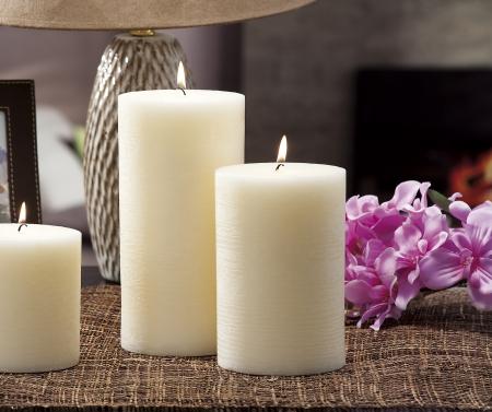 家の照明蝋燭および触媒ランプの静物