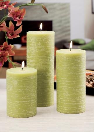 haus beleuchtung: Stillleben von zu Hause Beleuchtung Kerzen und Katalysator Lampe Lizenzfreie Bilder