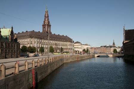 Kopenhagen, Slotsholmen, Danish Parliament Christiansborg, Denmark during summer Standard-Bild