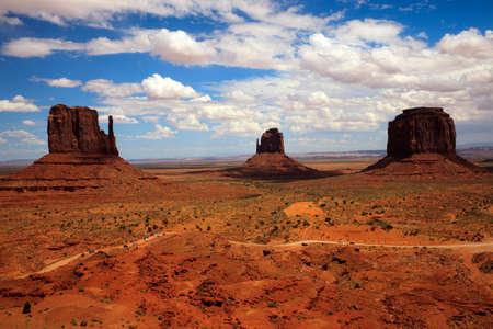 Utah/Arizona/USA - 8. August 2015: Das Monument Valley Navajo Tribal Reservation Landschaft, Utah/Arizona, USA Editorial