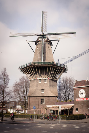 Brouwerij t IJ Brewery in Amsterdam (Netherlands). March 2015. Portrait format. 新聞圖片