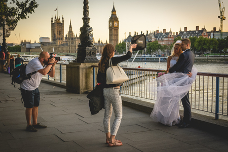 Wedding photo shooting on the South Bank in London (UK). July 2017.