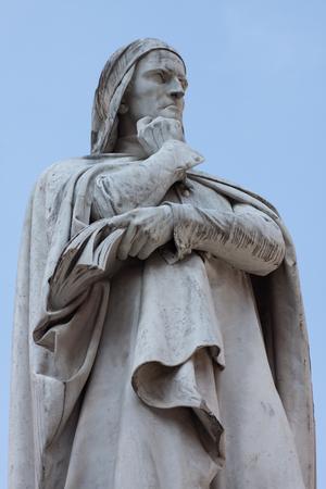 dante alighieri: Statue of Dante Alighieri in Verona, Italy