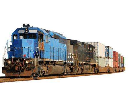 Twee locomotieven trekken een trein van container auto's, geïsoleerd op wit