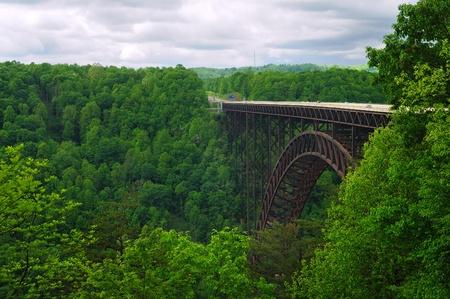 Pont de la New River Gorge de West Virginia transportant des Etats-Unis 19 quant la gorge Banque d'images - 9744108