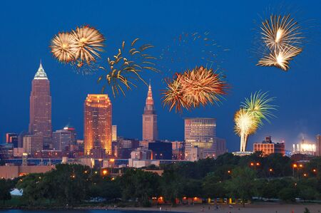 Fireworks going off over downtown Cleveland, Ohio Foto de archivo