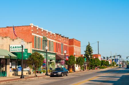BEDFORD, OH - 25 juillet 2015: Avec beaucoup de vieux bâtiments de plus d'un siècle, cette banlieue de Cleveland sud conserve sa petite ville américaine atmosphère. Éditoriale