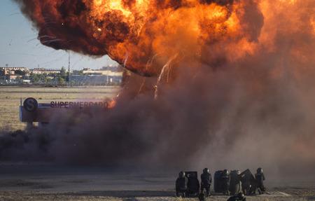 Explosión en un simulacro de emergencia Foto de archivo