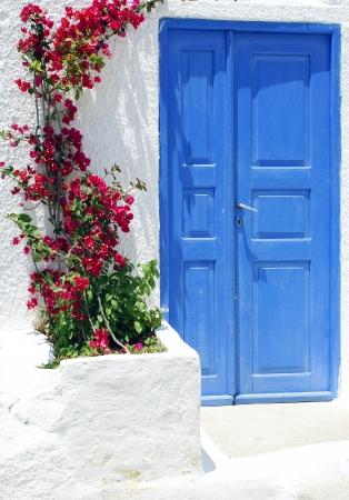 kyklades: Traditional architecture of Oia village on Santorini island, Greece