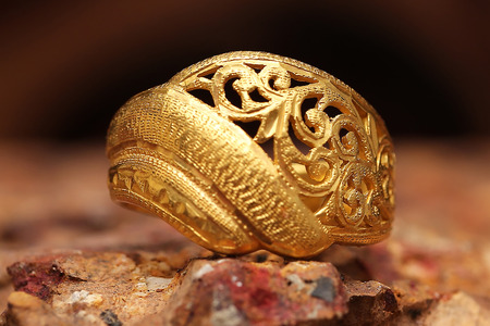 Old golden ring