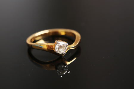diamond on gold ring,Wedding ring Archivio Fotografico