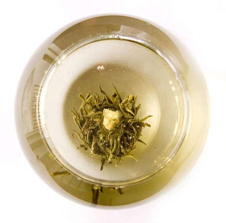 artisanale: Een glas van ambachtelijke bloeiende thee