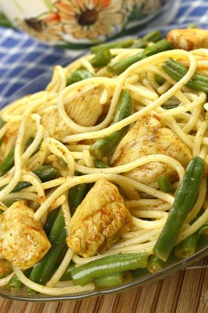 Pasta with chicken and green beans