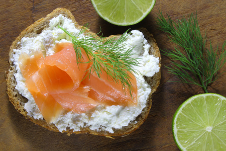 cottage cheese: Bread with cottage cheese and smoked salmon
