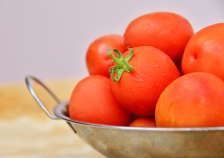 alzheimer's: The fresh tomatoes in an aluminum tray  Stock Photo