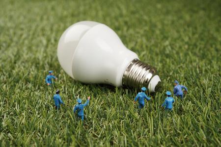 Close up Lampe Put auf Gras Hintergrund