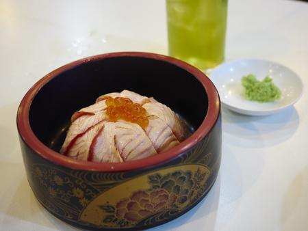 tekka: Salmon rice (Salmon tekka don) - Japanese Food