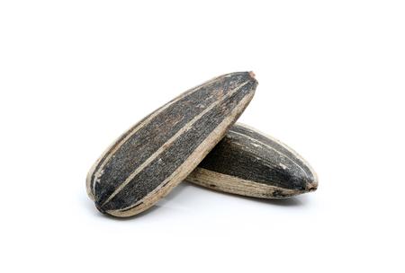 Closeup per semi di girasole su sfondo bianco