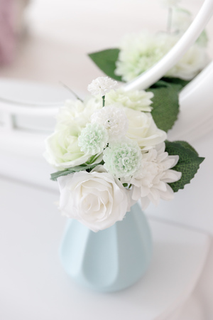 Decoration artificial flower arrangement modern bouquet wedding Stock Photo - 107414039