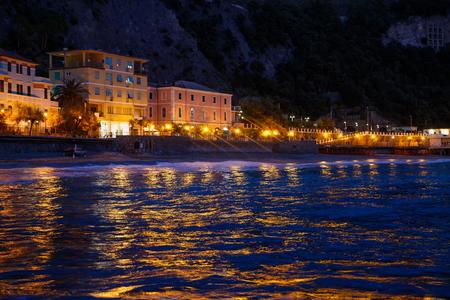 Photo town of Portovenere near Cinque Terre, Liguria, Italy. Sunset
