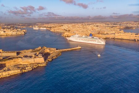 Cruise ship liner port of Valletta, Malta sunrise. Aerial view photo 免版税图像