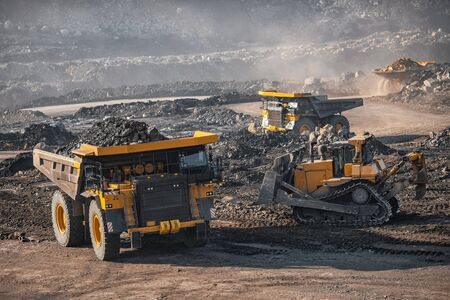 Open pit mine, extractive industry for coal 스톡 콘텐츠