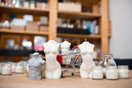 Nude Venus goddess figure candle Online store selling scented 版權商用圖片
