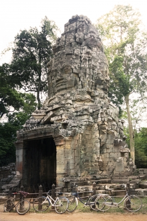 Arch Way of Ta-Prom Castle, Angor