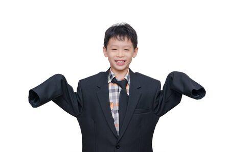 traje: Muchacho asi�tico poco en juego grande sobre blanco