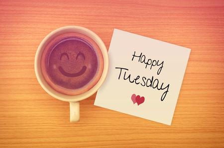 Quote: Gelukkig dinsdag op papernote met een kopje koffie