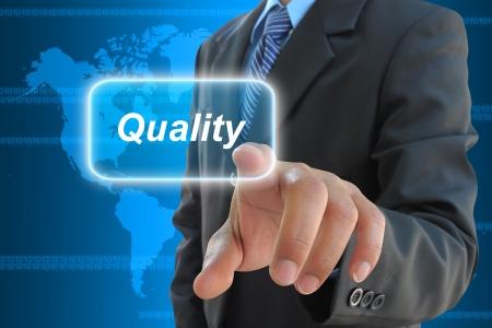 control de calidad: Por negocios presionando el bot�n de la calidad en una interfaz de pantalla t�ctil