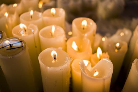 luz de vela: fondo luz de las velas