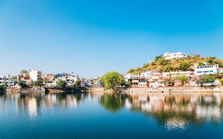 Pichola lake and old town in Udaipur, India Stock Photo